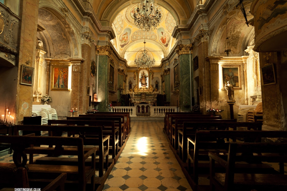 eze_church_interior